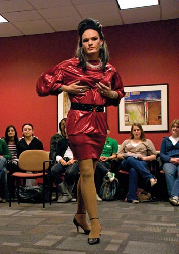 "Last Tuesday night's ""Drag 302"" class, taught by drag queen Reanna ..."