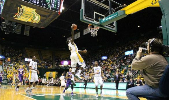 Junior guard Bryon Allen scores on a layup against Northern Iowa. (Photo by John Irwin.)