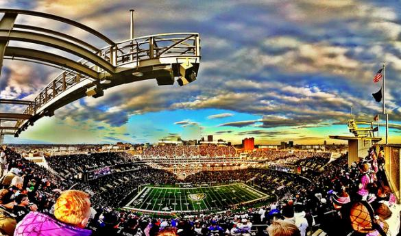 Scenic panorama of Ravens linebacker Ray Lewis' final home game against the Indianapolis Colts (Photo courtesy of paulmgardner/Flickr).