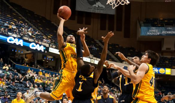 Sherrod Wright drives and finishes against Drexel in Saturday's tournament win (Photo by Stephen Kline/Broadside).