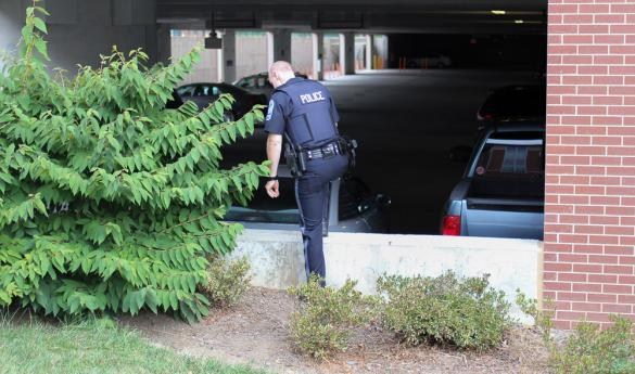 Mason police investigate around Rappahannock Parking Deck after an incident occurred on August 30 (photo by Jenny Krashin).