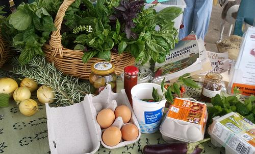 The Mason REAL Food collective promotes better living for a better world (photo courtesy of Takver/flickr)