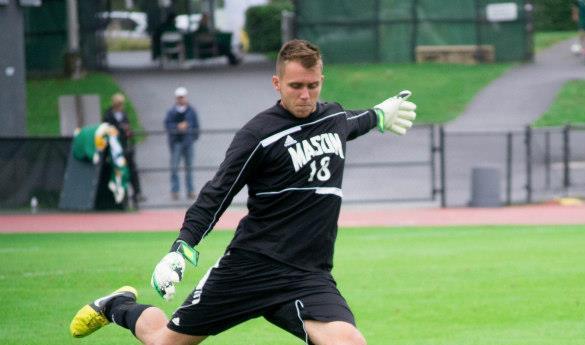 Mason goalkeeper Steffen Kraus had two saves against LaSalle (photo by Gopi Raghu).